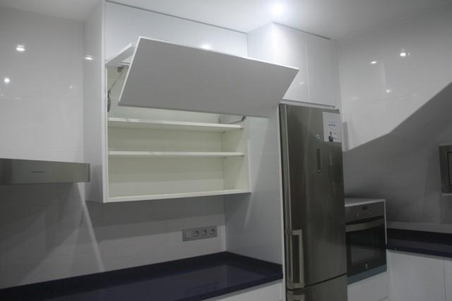 Sistemas de apertura de muebles de cocina cocimobel - Cocinas sin muebles altos ...