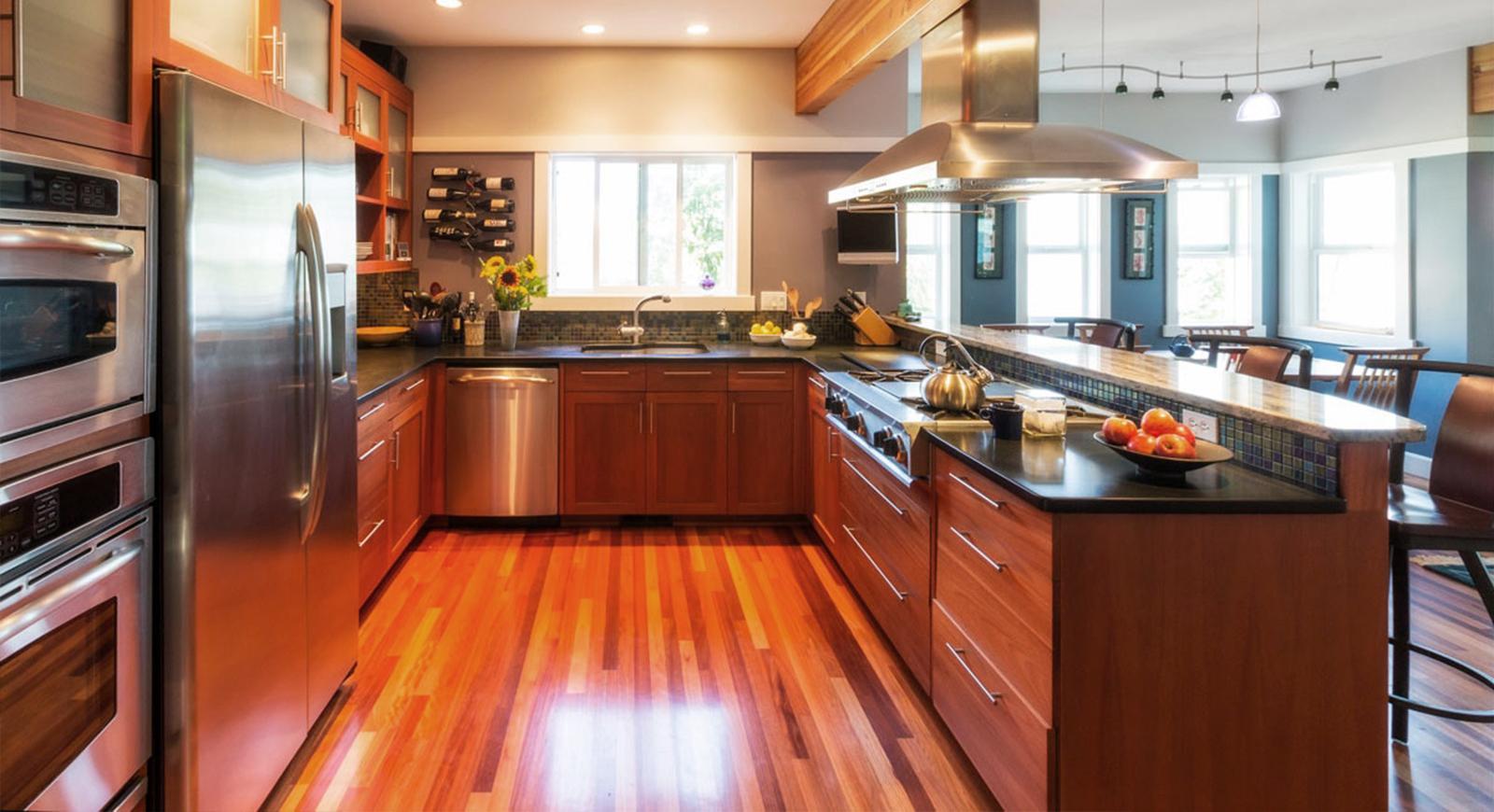 descubre que te ofrece el mercado para el suelo de tu cocina cada uno con
